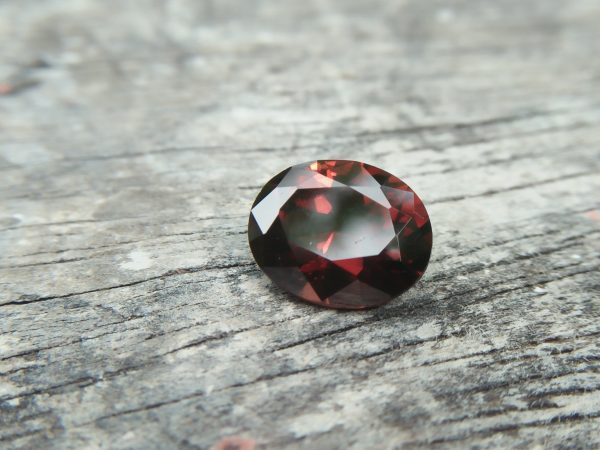 Ceylon Natural Hyacinth Zircon Dimension : 10mm x 8.2mm x 5.2mm Weight : 3.80Cts Shape : Ovel Colour : Zircon Treatment : Unheated / Natural Mineral : Ratnapura, Sri Lanka