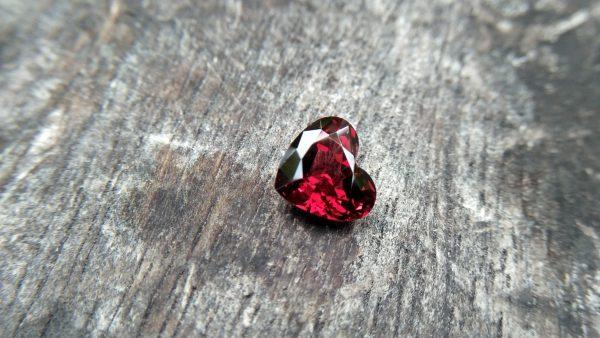 Ceylon Natural Almandine Garnet Dimension : 9.1mm x 10.2mm x 5.7mm Weight : 4.05cts Shape : Heart Colour : Red Treatment : Unheated / Natural Mineral : Ratnapura, Sri Lanka