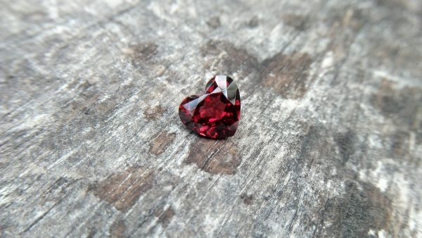 Ceylon Natural Almandine Garnet Dimension : 9.1mm x 10.2mm x 5.7mm Weight : 4.05cts Shape : Heart Colour : Red Treatment : Unheated / Natural Mineral : Ratnapura, Sri Lanka