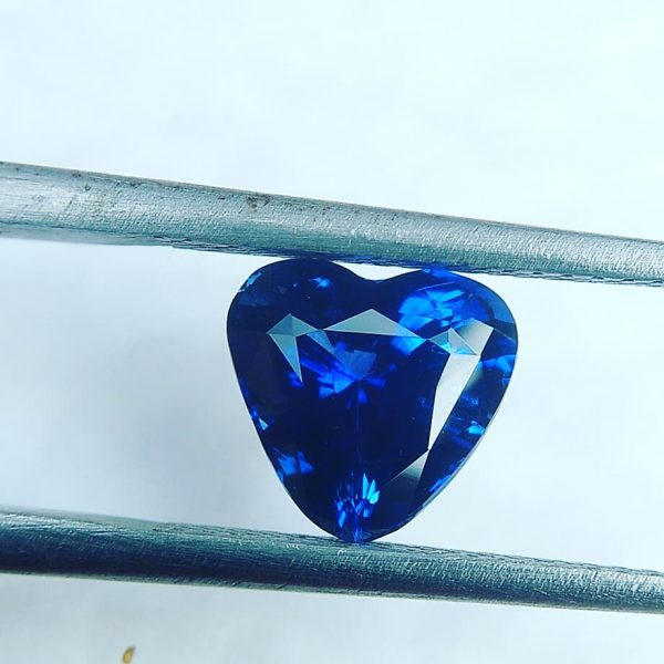 Ceylon Blue Sapphire Heart Unearthed from city of gem Ratnapura Sri Lanka. According to Vedic Astrology Blue Sapphire represents the planet of saturn. It is said that if blue sapphire gemstone gives good effects to wearer can achieve huge success in life.