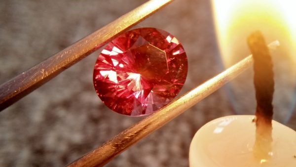 Natural Colour Change Garnet Weight: 3.19Cts Dimension: 9.7mm x 8.31mm x 5.8mm Colour: changing colors Brown, Brownish purple, Orangy Red Clarity : SI Birthstone : January Treatment : None/ Natural