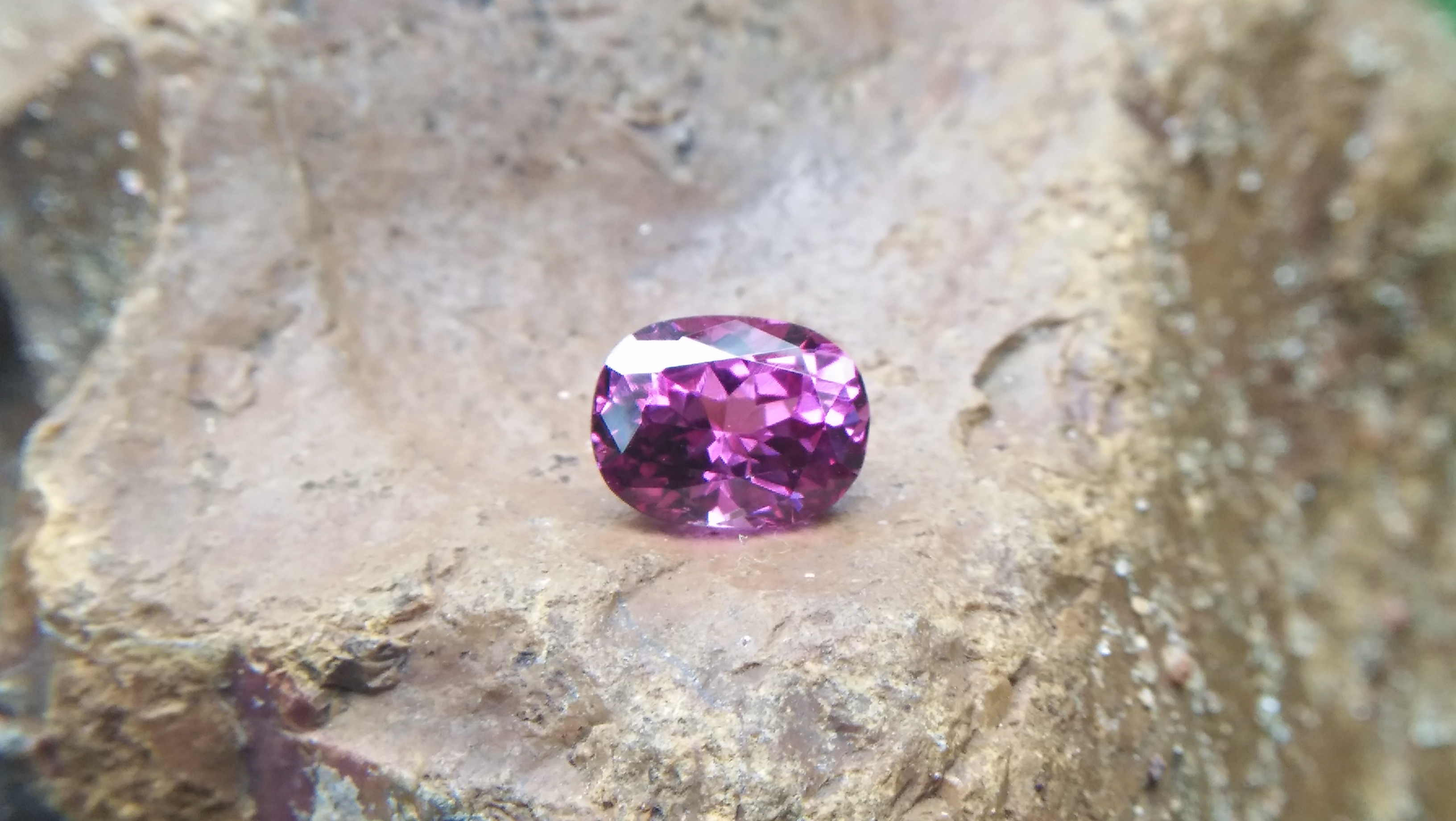 Natural Pink Garnet Weight: 2.15Cts Dimension: 8.4mm x 6.4mm x 4.9mm Colour: Reddish Pink Clarity : SI Birthstone : January Treatment : Unheated/Natural