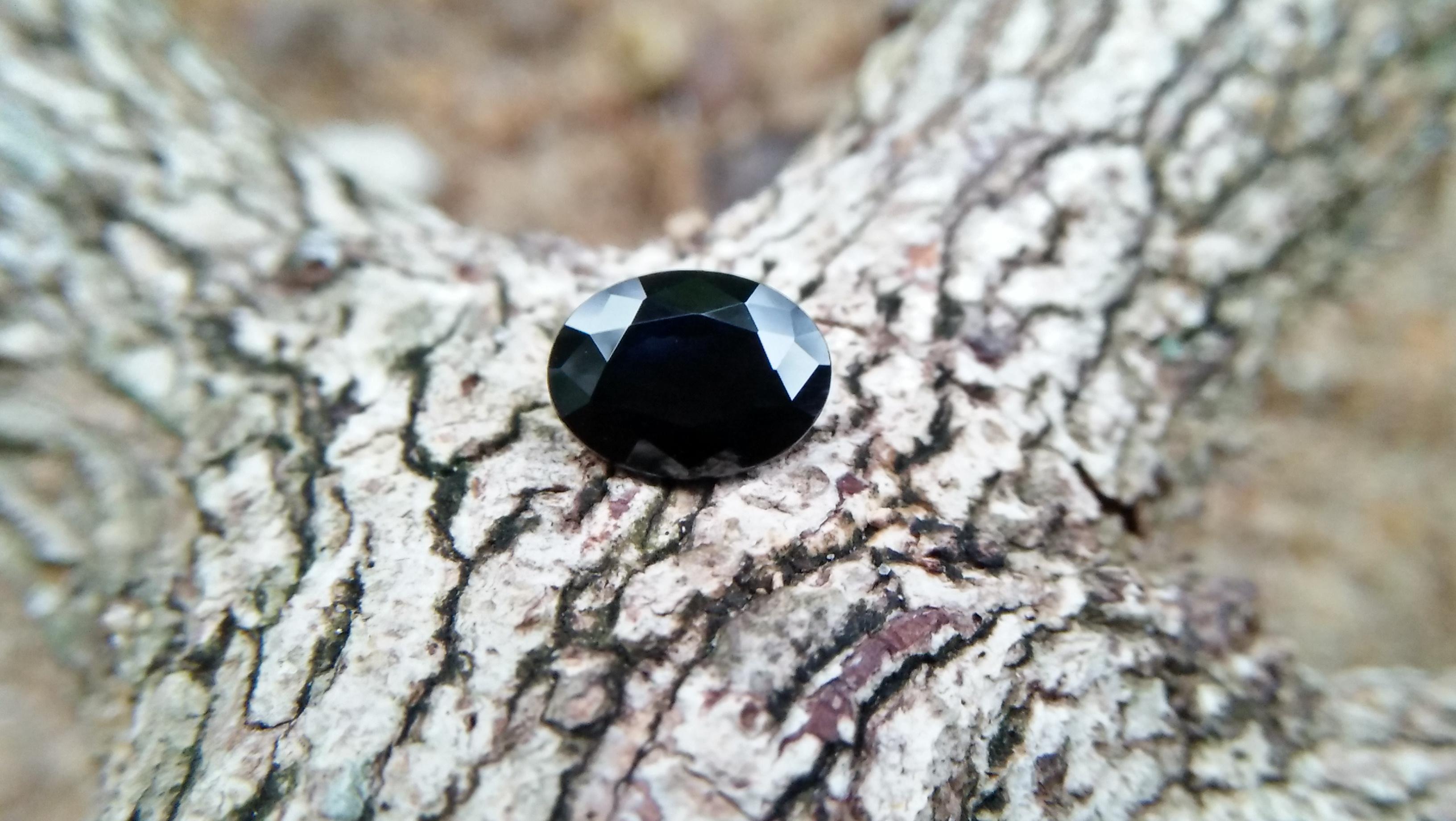 Natural Dark Blue Sapphire ( Kakanil ) කාකනිල් සෙනසුරු ග්රහයාට අයත් මැණික/ Stone of Saturn Shape : Ovel Clarity : Clean Treatment : Natural/Unheated Dimension : 7.3mmx 5.3mm x 3.9mm Weight : 1.55Cts Location : City of Gem Ratnapura Sri Lanka