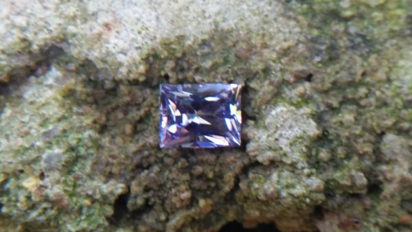 NATURAL Lavender Spinel Shape : Octagon Clarity : SI Treatment : Natural/Unheated Dimension : 6.3mm x 4.9mm x 3.55mm Weight : 0.95Cts Cut : Octagon Princess Colour : Lavender