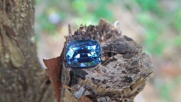 Sapphire is the birthstone for September NATURAL BLUE SAPPHIRE Shape : Cution Cut : Mixed Cut Dimension : 6.8 mmx 5.4 mm x 4.4 mm Weight : 1.50Cts Clarity : VVS Colour : Greenish Blue Transparency : Transparent