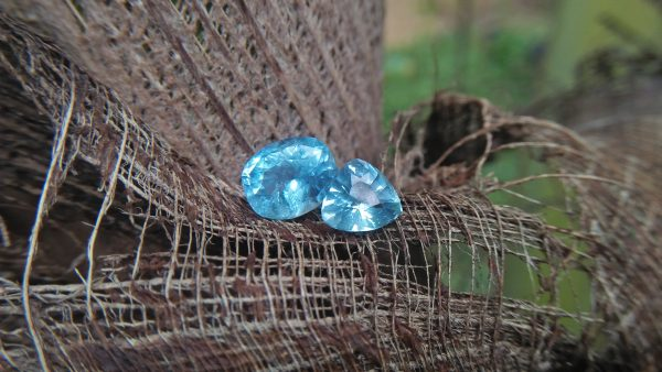 NATURAL AQUAMARINE Shape : Cution/ Triangle Clarity : SI Treatment : Natural/Unheated Weight : 1.50cts/ 3.15Cts Dimension : 9.9mm x 8mm x 6.5mm 7.9mm x 7.7mm x 4.9mm Colour : Bluish Green Gemstones direct from the source