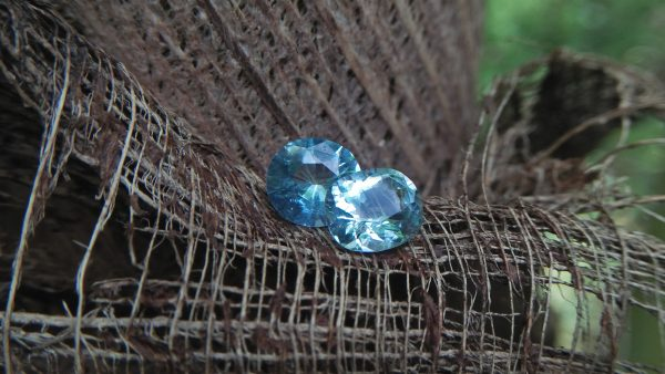 Healings of Aquamarine, Aquamarine Heals emotional trauma, Cools high temper and conflict, Relieves stress, helps get in touch with suppressed emotions, Brings peace, Clears the mind, Calms the heart and many healing in this stone. NATURAL AQUAMARINE Aquamarine is a color variety of the mineral beryl. Beryl is a mineral composed of beryllium aluminium cyclosilicate with the chemical formula Be₃Al₂. Well-known varieties of beryl include emerald and aquamarine. Naturally occurring, hexagonal crystals of beryl can be up to several meters in size, but terminated crystals are relatively rare. Hardness : 7.5 – 8 Crystal system : Hexagonal Specific gravity : Average 2.76 Optical properties : Uniaxial (-) Refractive index : nω = 1.564–1.595 nε = 1.568–1.602
