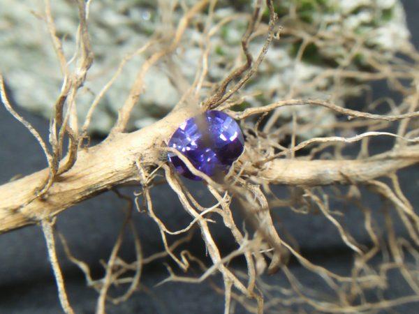 Ceylon Natural Colour Change Sapphire Shape : Cushion Colour : C.C from Violet to Purple Weight : 0.55Cts Dimension : 5.3 x 4.4 x 3.0 mm Treatment : Unheated 变色蓝宝石 重量 : 0.55卡拉  尺寸 : 5.3 x 4.4 x 3.0 mm 颜色 : 紫罗兰色,紫色 透明 : 好透明 形状 : 垫形 治療:没有加热 • CSL - Colored Stone Laboratory Certified ( GIA Alumina Association Member ) • CSL Memo No : ODCB693A4671