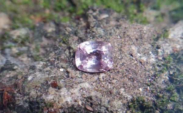 Ceylon Natural Light Pink Sapphire