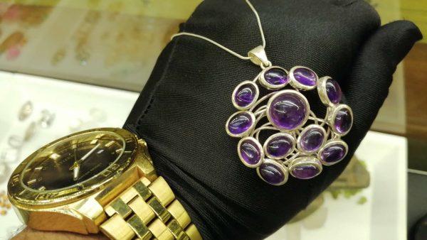 Metal : Silver Stone : Amathyst Type : Necklace Weight : 16.64 g 紫晶銀項鍊 宝石 :紫晶 颜色 : 紫色 透明 : 好透明 金属:银 重量:16.64 克