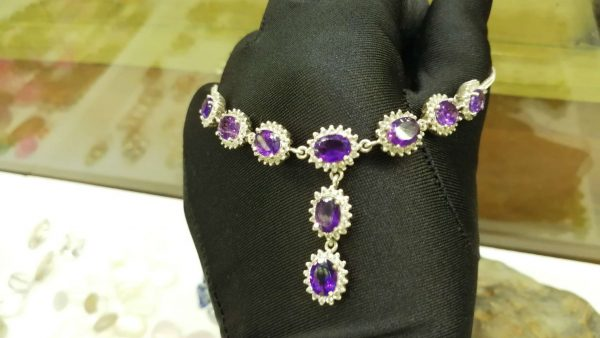 Metal : Silver Stone : Amathyst Type : Necklace Weight : 14.77 g 紫晶銀項鍊 宝石 :紫晶 颜色 : 紫色 透明 : 好透明 金属:银 重量:14.77 克