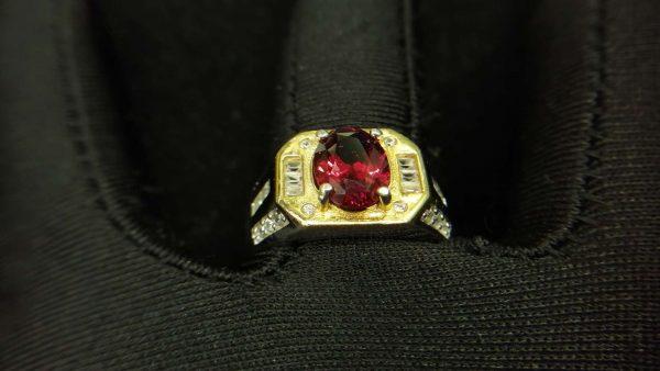 Metal : Standard 925 Silver Colour : Red Stone : Garnet Weight : 6.62 g Type : Ring 石榴石銀介指 宝石 : 石榴石 颜色 : 红色 透明 : 好透明 金属:银 重量:6.62 克