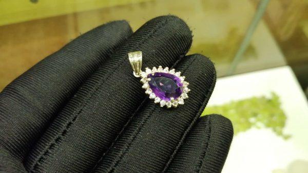Metal : Silver Stone : Amathyst Type : Pendant Weight : 2.10 g 紫晶銀吊飾 宝石 :紫晶 颜色 : 紫色 透明 : 好透明 金属:银 重量:2.10 克