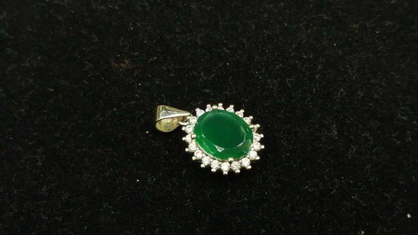 Metal : Silver Colour : Green Stone : Green Onyx Type : Pendant Weight : 1.83 g 绿色玛瑙銀吊飾 宝石 : 绿色玛瑙 颜色 : 绿色 透明 : 好透明 金属:銀 重量:1.83 克