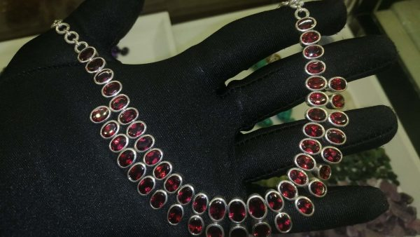 Metal : Silver Stone : Garnet Type : Necklace 石榴石銀項鍊 宝石 :石榴石 颜色 : 红色 透明 : 好透明 金属:银
