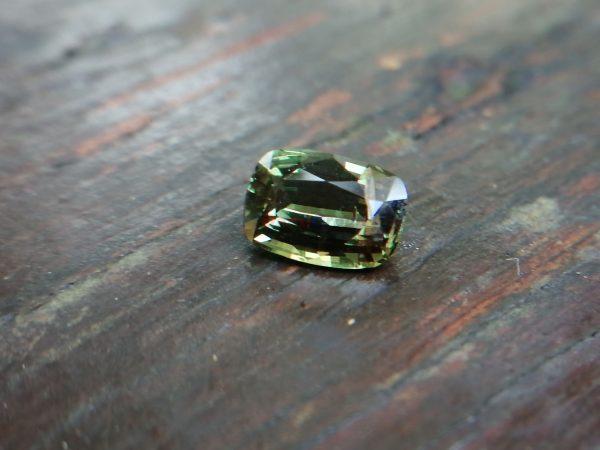 Ceylon Natural Rare Alexandrite from Alluvial gem deposit Ratnapura Sri Lanka