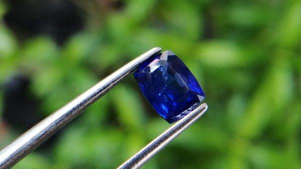 Ceylon Vivid Royal Blue Sapphire