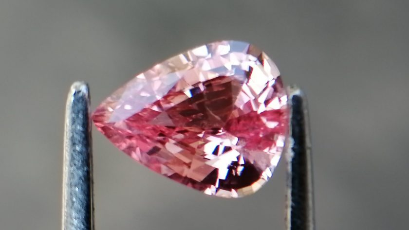 Best Quality Padparadscha Sapphire Sri Lanka