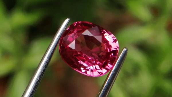 Natural Pink Spinel - Brilliance hot pink