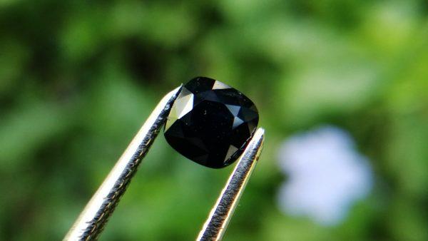Ceylon Natural Kaka Blue Sapphire කාක නිල්