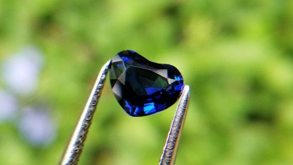 2_Ceylon Natural Royal Blue Sapphire Heart Danu Group Gemstones