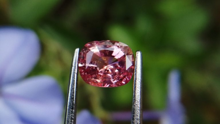 7_Natural Padparadscha sapphire king sapphire from danu group