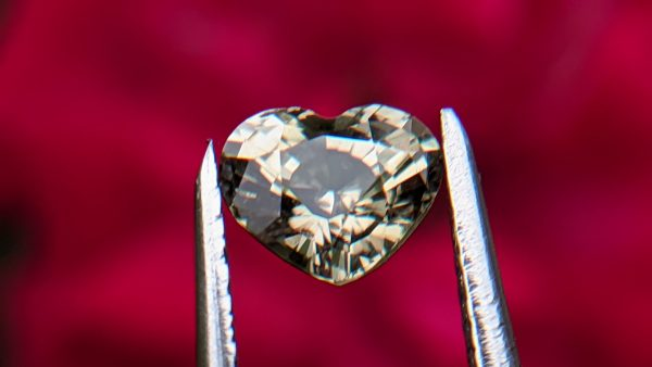 1_Natural green sapphire heart danu group Gemstones_compress18
