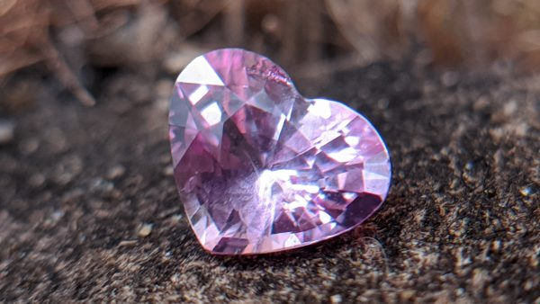 1_Natural pink sapphire heartsri lanka danu group Gemstones_compress83