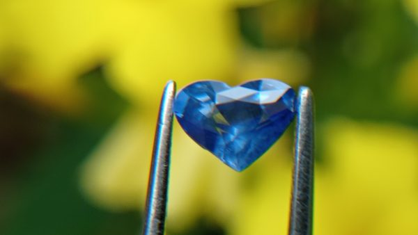 8_Natural blue Sapphire from Danu Group Gemstones 01_compress28
