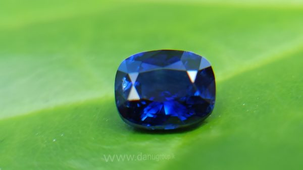 Natural Vivid Royal Blue Sapphire Danu Group Royal Gemstones