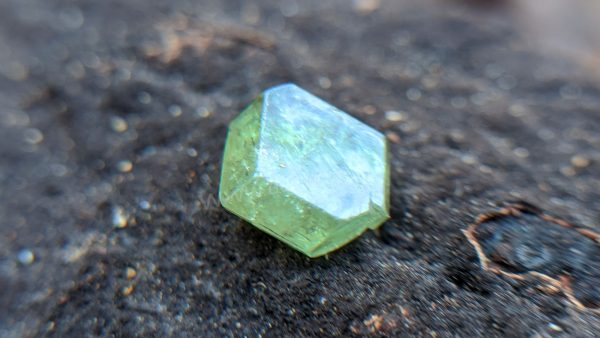 Demantoid Garnet crystal from sri lanka danu group