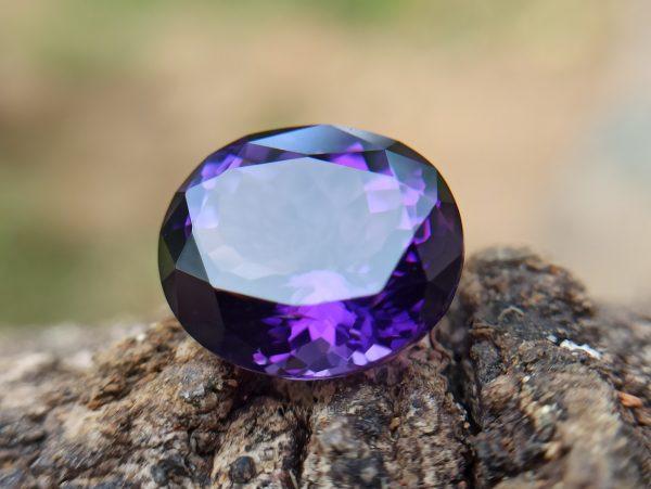 Natural Amethyst - One of the best healing gemstone in the planet - Danu Group Gemstones