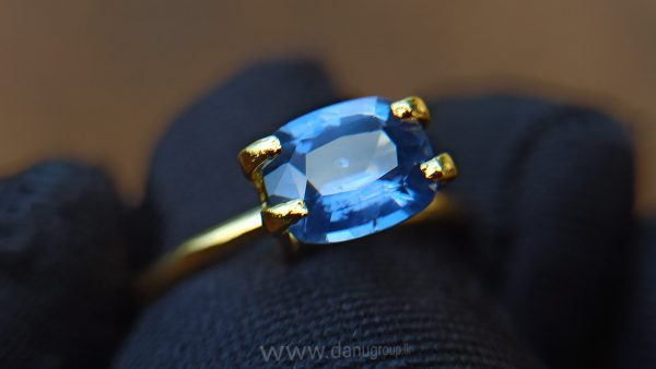 danugroup.lk - ceylon natural cornflower blue sapphire engagement ring stone